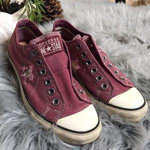 Laceless Converse